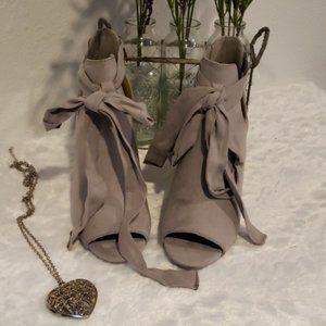 Grey Suede Ladies Heels Size 6.5